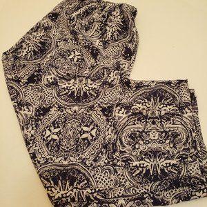 2/$40 LAVON Shorts Elastic Waist Size 8-10 Capri